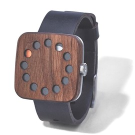 Grovemade - Walnut watch (Square)