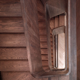 John Smart Architects - Curvaceous oak staircase, South London