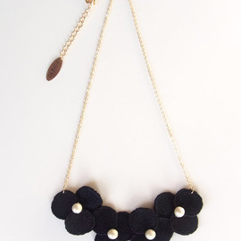 HOMAKO - Polka Dots Lace Flower Necklace