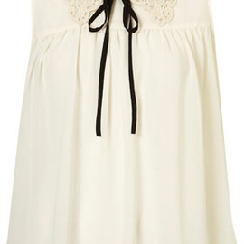 TOPSHOP - Sleeveless Crochet Collar Top