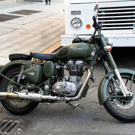 Royal Enfield - ROYAL ENFIELD Classic Battle Green