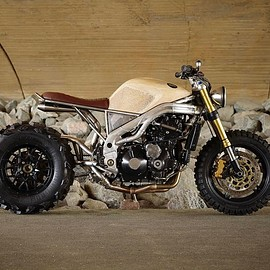Classified Moto - FRANK Triumph Speed Triple