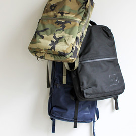 THE NORTH FACE - SHUTTLE DAYPACK Woodland Camo