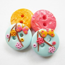 Luulla - Flowers - set of 4 polymer clay buttons