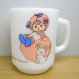 Fire King - Strawberry Shortcake Apricot mug cup