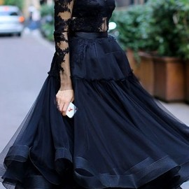 style icon - Ulyana Sergeenko - another great use of ribbon edging.  The entire top should obviously be lined.