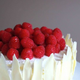 Lemon Raspberry Sponge Cake