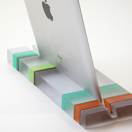 Fossil Faux Studios - Groove iPad Stand - Striped
