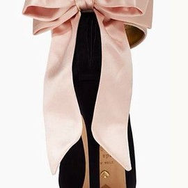 kate spade NEW YORK - big bow heels.