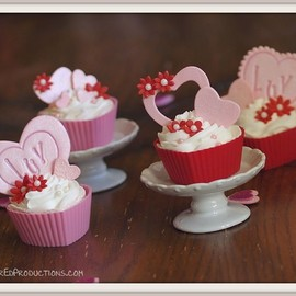 SugarED Productions - Valentine Cupcakes