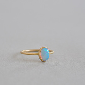 Gabriella Kiss - Oval Opal Ring