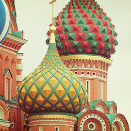 happeemonkee - Saint Basils. Moscow Russia. St. Basil's Cathedral. Russian Wall Art. Office Home Decor. Rusty Red Green Yellow. Fine Art Photography 8x10""
