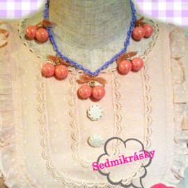 Sedmikrasky - Cherry necklace