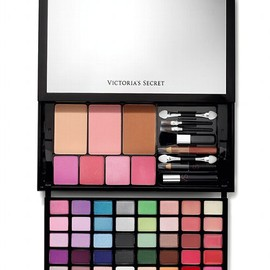 "Victoria's Secret - ""Hello, Bombshell!"" Makeup Kit"