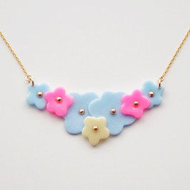 a cloudy dream - FLOWER BUNCH NECKLACE -BUNCH-