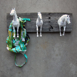 EQUINEbyLauren - three galloping horses clothing / bridle rack in white