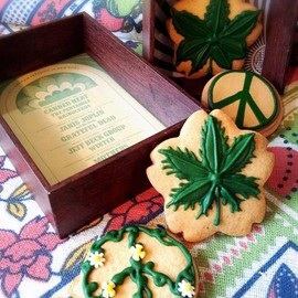 Doze Life Food - Love & Peace Cookie