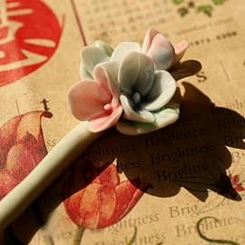 julyjoy - Oriental Obsession Handmade Ceramic Hair Pin - Lily Flower