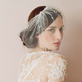 Twigs&Honey - Mini tulle veil with pearls