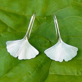 diggersgoldjewelry - Ginkgo Leaf Earrings in Sterling Silver