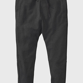 Isaora - Tech Stretch Sweatpant V.2 - XS / Black / 2432