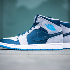 Nike - Air Jordan 1 Mid / Slate Grey & Powder Blue