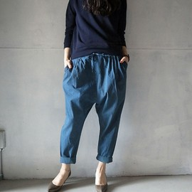 evam eva - striped garment dye tuck pants/パドーブルー
