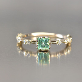 kataoka/jewelry and objets d'art - k18 gold paraiba tourmaline ring