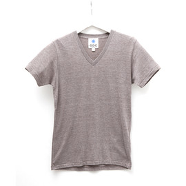GDC - energy v-neck tee