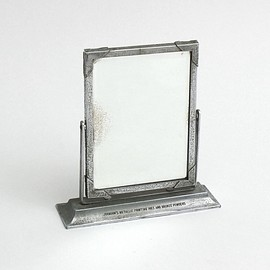 vintage - Vintage stand mirror small silver