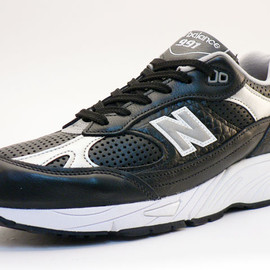 NEW BALANCE - M991 Black Made In England