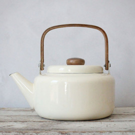 vintage - Vintage Enamel Ivory Teapot with Wooden Handle