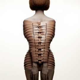 """Úna Burke - vegetable tanned leather restraint(conceptual collection of wearable art pieces series of """"Re. Treat"""""""