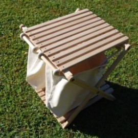 CAMP MANIA PRODUCTS - TRASH STAND TABLE