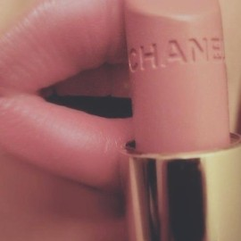 CHANEL - pink