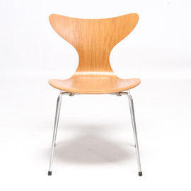 Fritz Hansen - Eight chair 3108 (1969)/Arne Jacobsen