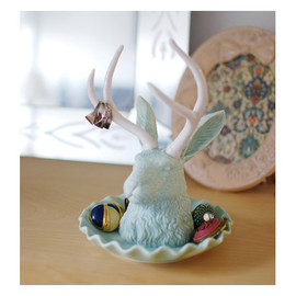 DETAIL - jackalope jewelry holder