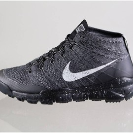 Nike - Flyknit Trainer Chukka FSB - Black/Sail/Dark Grey/Light Charcoal)