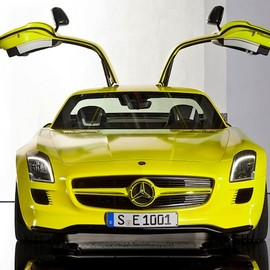 Mercedes-Benz - SLS AMG E-CELL
