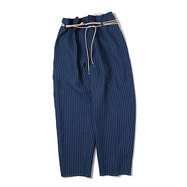 the Sakaki - tuck pants