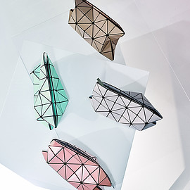 BAOBAO, ISSEY MIYAKE - LUCENT W COLOR