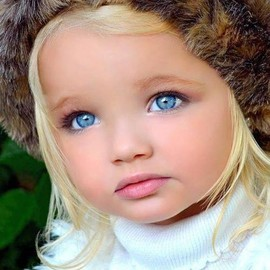 kids - BEAUTIFUL BLUE EYES