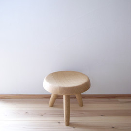 tribute - Ei stool/nara