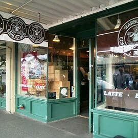 Seattle - Starbucks First Store