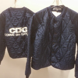GOOD DESIGN SHOP COMME des GARÇONS D&DEPARTMENT PROJECT - CDGロゴキルティングブルゾン