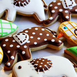 LoneStarsandStripes - pretty pattern animal sugar cookies