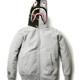A BATHING APE - Shark Parka