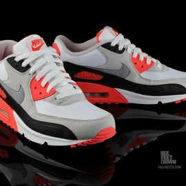 NIKE - Nike Air Max 90 Infrared | Available 325018-107