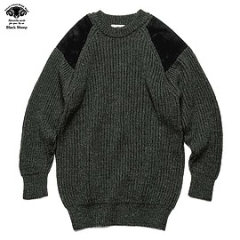 uniform experiment - BLACK SHEEP GUN PATCH CREW NECK KNIT