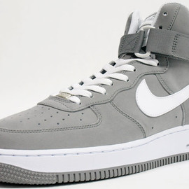 NIKE - AIR FORCE 1 HI